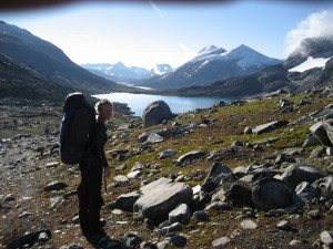 Sommarvandring pa glaciar i norge