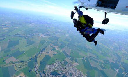 fallskärm 4000m över skåne