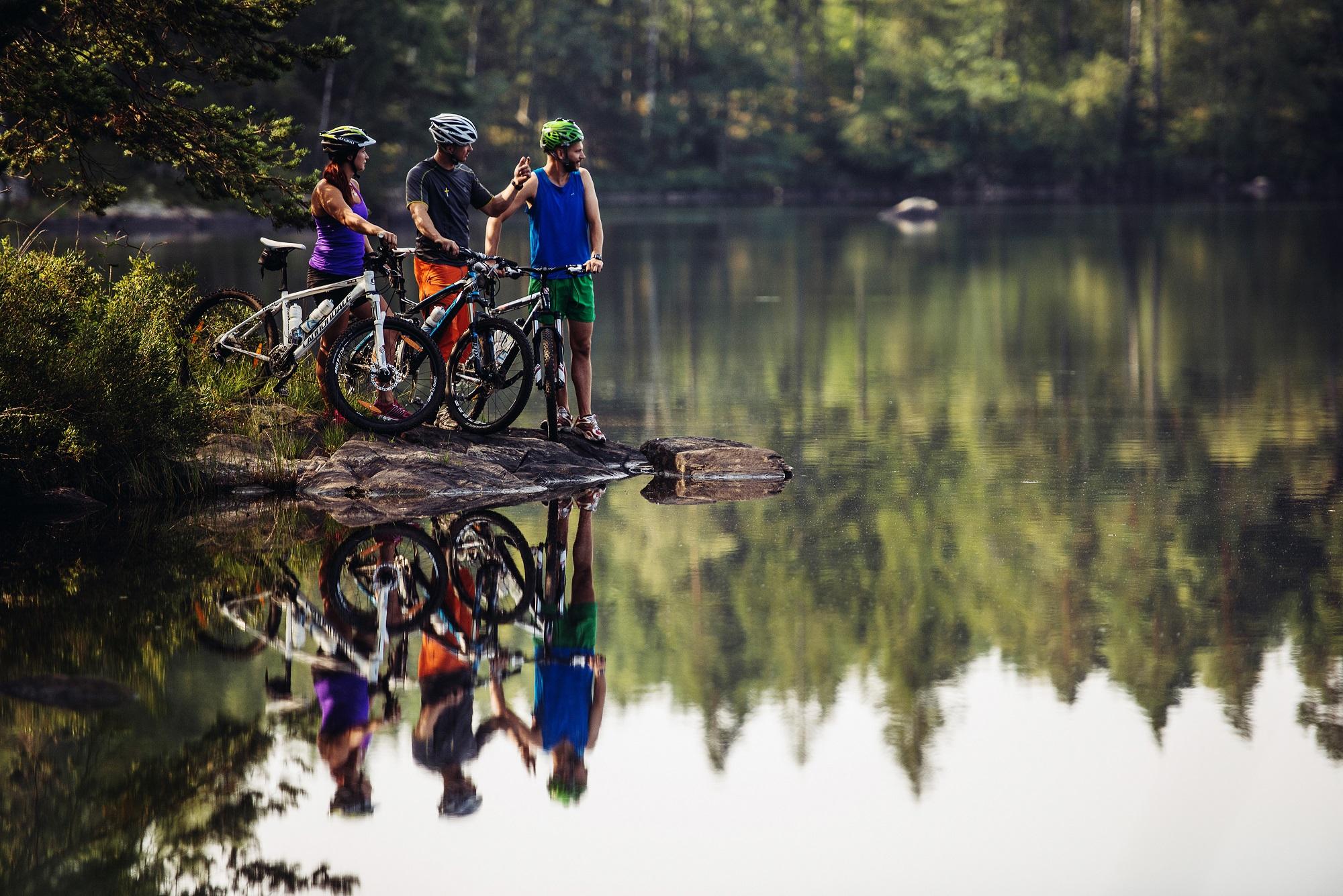 Cykling från skärgård till trollskog